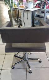 Cadeira de cabeleireiro, barbeiro e etc..