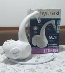 Torneira Eletrônica Hydra Lumen para Parede 110V Branca