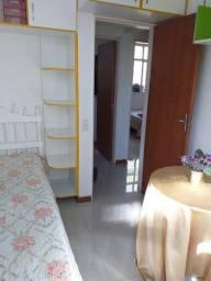 Alugo quarto para moças
