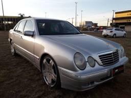 Mercedes E-320 3.2 aut ano 2001