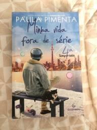 Livro autografado por Paula Pimenta