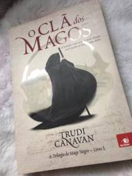 Livro O Clã dos Magos