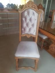 Mesa com oito cadeiras restauradas novas