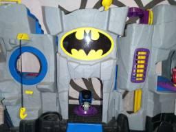 Batcaverna BATMAN