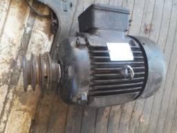 Motor trifásico 7,5 CV