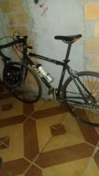 Estou vendo essa bicicleta speed