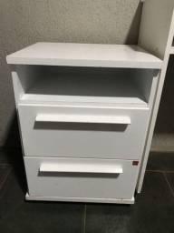 Vendo escrivaninha com criado com duas gavetas grande
