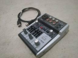 Mixer e Interface Behringer Xenix 302 USB