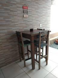 Vendo mesa com 3 cadeiras