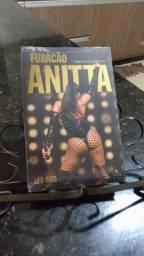 Livro Furacão Anitta