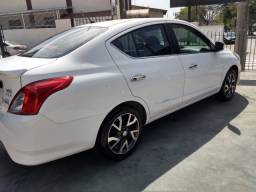 Nissan Versa 1.6 16v Unique - 2016