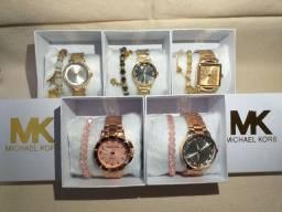 Kit Relógios Femininos em Aço MK e CK + Pulseira.