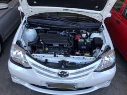 Toyota Etios XS Automático