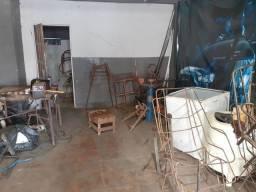 Fábrica de cadeiras e serralheria