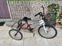 Triciclo semi novo