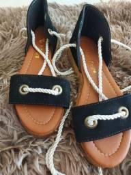 Sandálias de cordinhas