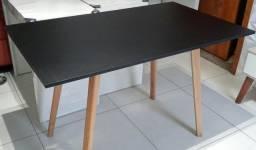 Mesa retrô 1,20x0,70 MDF pés de madeira. Entrega grátis em toda Macaé.