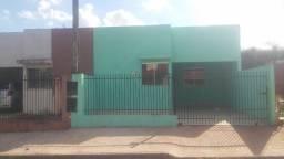 Alugo casa em Mandaguaçu por 600,00 reais