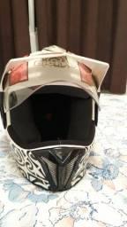 Vendo capacete feminino, semi novo R$280
