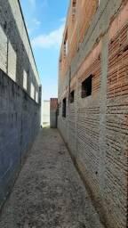 Casa em construção com varias dependencias.