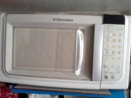 Forno de Microondas- Electrolux