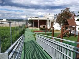 Lote Plano de 490m² em Condomínio a 1,5km da Linha Verde