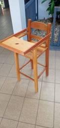 Cadeira alimentação em madeira