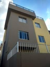 Prédio com seis apartamentos no Caiçara