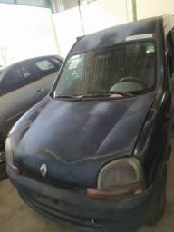 Capô Renault Kangoo em bom estado de conservação