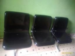 Cadeira com 3 acentos