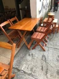 Jogo de mesa com cadeiras