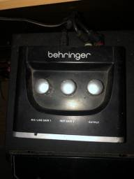 Interface UM2 Behringer Semi Nova