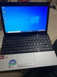 Netbook Asus (até 3 horas de bateria)
