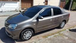 Toyota Etios 1.5 ano 2017 perfeito estado