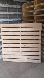 Palets mega reforçados med 1.20x1.20 de madeira eucalipto