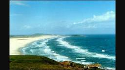 Casa com Lagoa e Praia - Laguna -SC