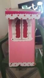 Casinha de boneca rosa