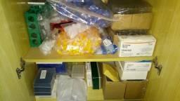Mini estoque de materiais de laboratório