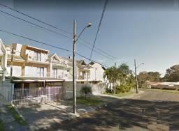 Sobrado triplex de frente, em ótima localização e com amplo quintal -R$ 750,000,00