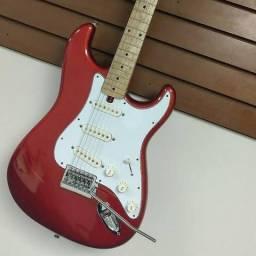 Guitarra Stratocaster vermelha