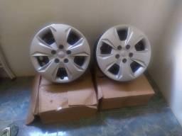 Jogo Rodas de ferro e carlotas originais Hyundai Creta .