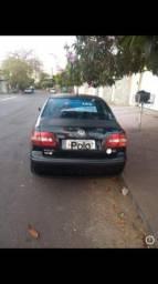 Polo sedan preto - 2004