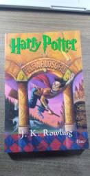Livro Harry Potter e a pedra filosofal