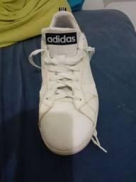 Tênis adidas- clássico.- importado e original