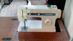 Maquina de costua Singer