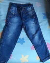 Calça jeans de menina