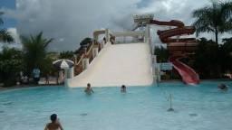 Flat com suite e ar condicionado e parque aquatico