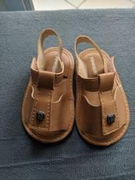 Sandálias de bebês