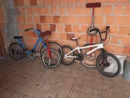 Bikes e monociclos