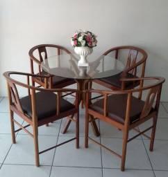 Mesas e cadeiras * novas com nf
